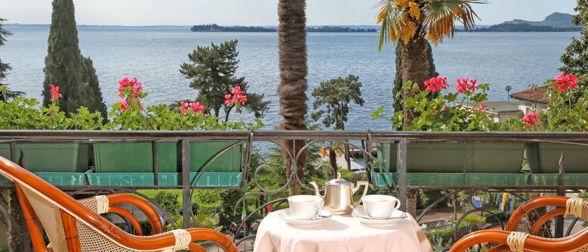 hotel-bellevue-lake-view.jpg